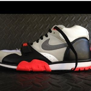 Nike Air Trainer 1 Mid Prm Qs Infrared